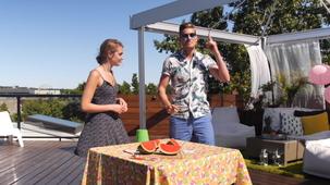 Vidéo - Party de terrasse avec Sophie Nélisse (et PO Beaudoin)