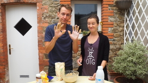 Vidéo - Making Chocolate Croissants (With Alex and MJ)