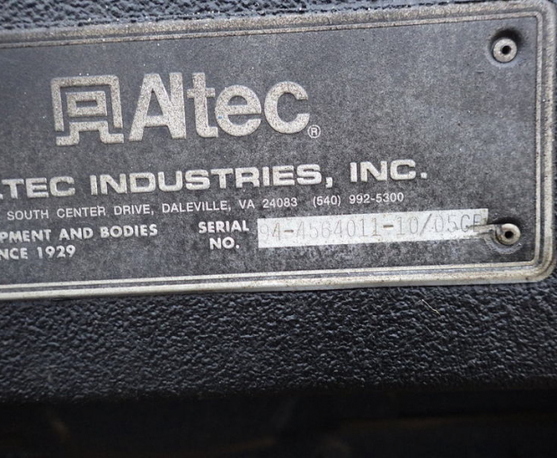 2006 Altec A)38-127 Boom Truck on a 2006 Freightliner M2  41