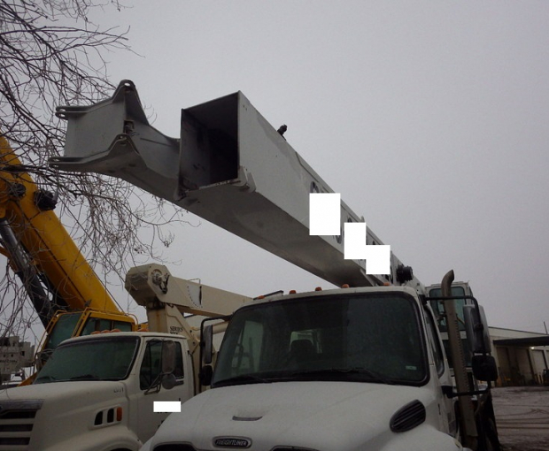 2006 Altec A)38-127 Boom Truck on a 2006 Freightliner M2  42
