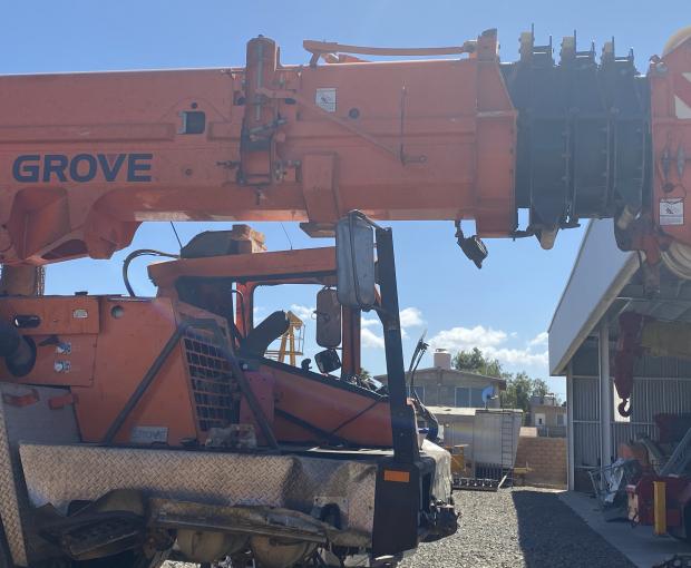 2007 Grove TMS900E Truck Crane 7