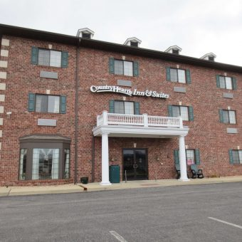 Country Hearth Inn & Suites - Edwardsville / St. Louis