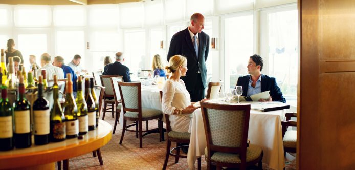 The dining room restaurant at Rhode Island Hotel