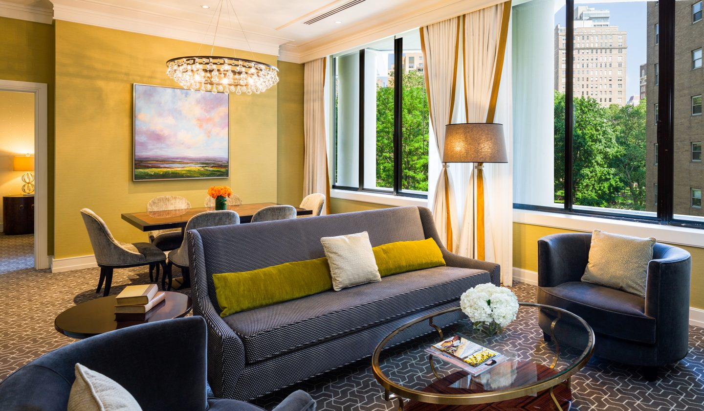 luxury suite in philly hotel in center city