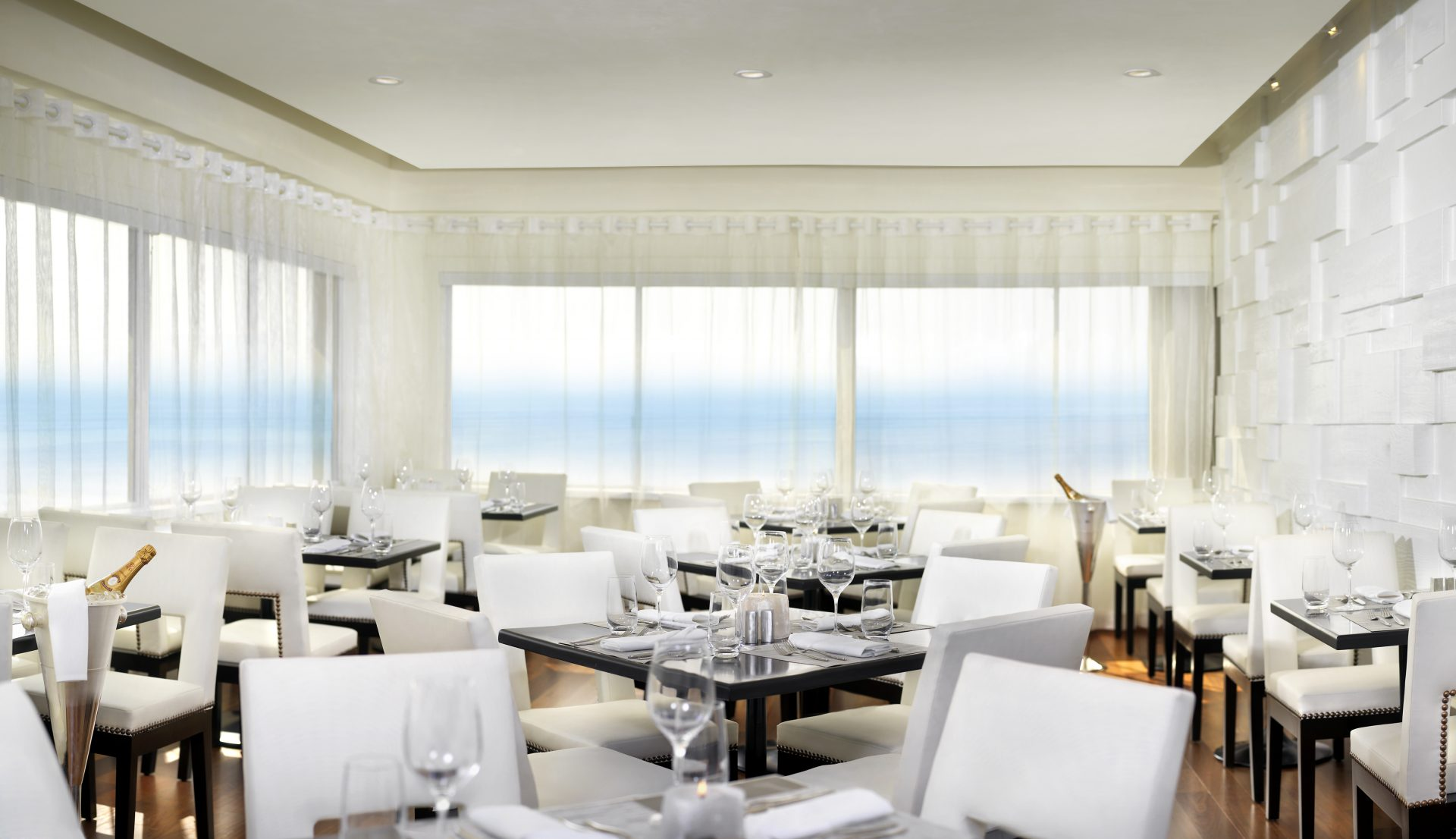 Penthouse Restaurant In Santa Monica Rooftop Dining