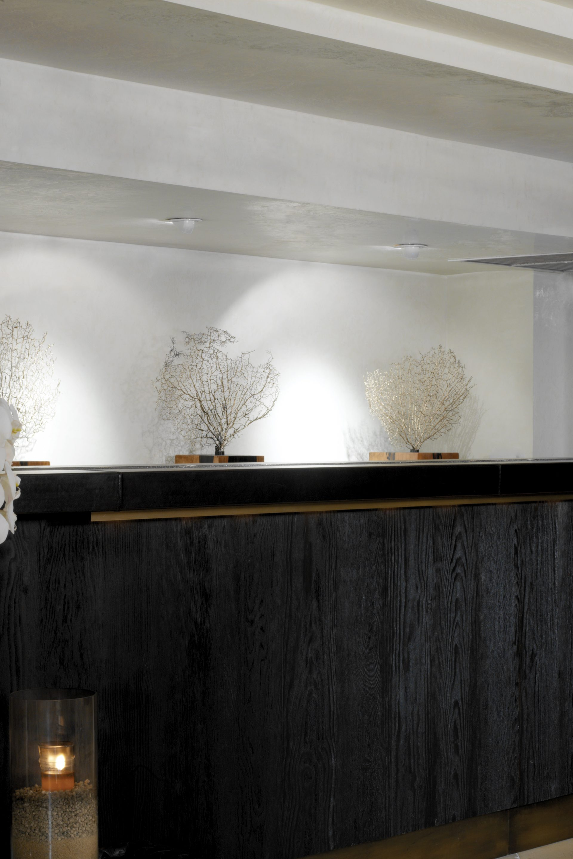 The Huntley Santa Monica Front Desk