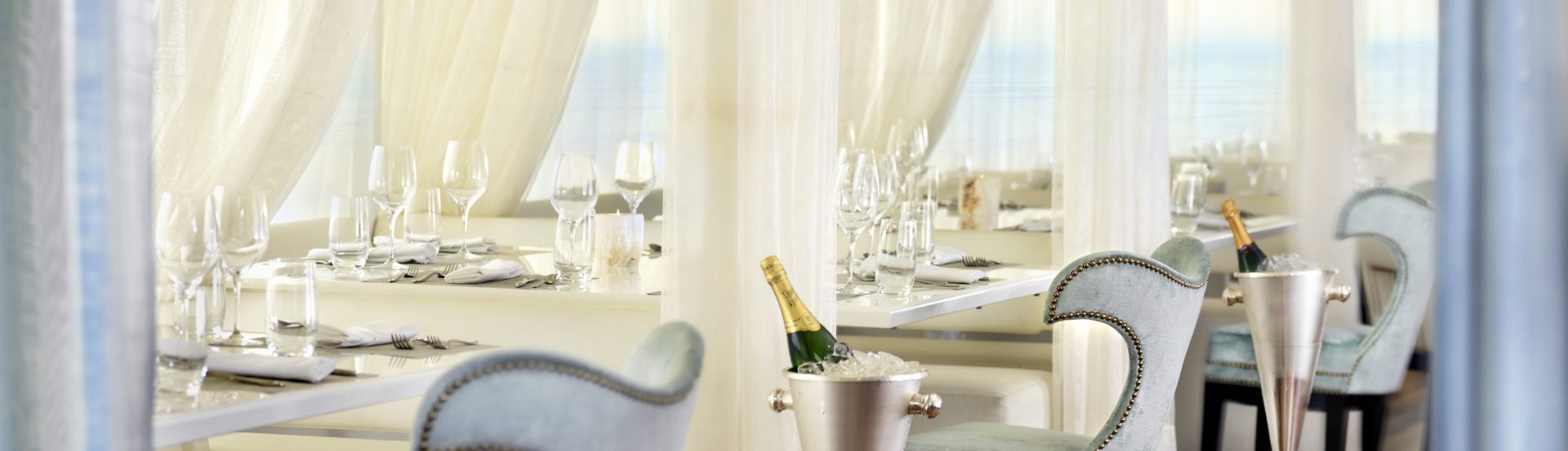 The Huntley Hotel ENJOY PACIFIC PANORAMAS, PERSONALIZED SERVICES, AND FINE DINING IN A VIBRANT...