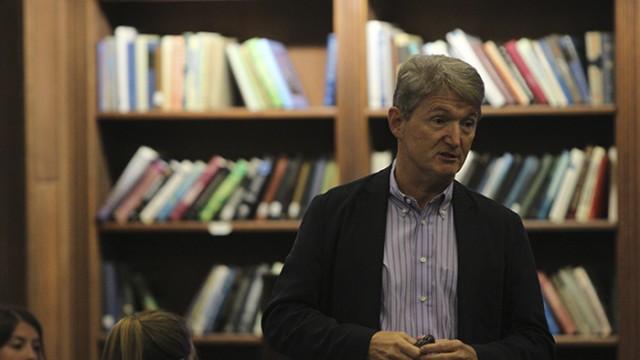 Veteran Investor Bob Davis Talks Venture Capital At 'Lunch With A Leader'