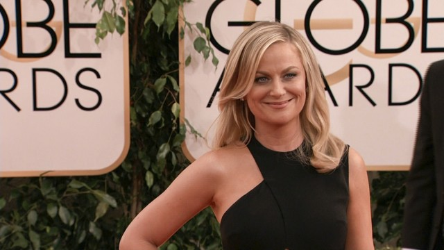 Amy Poehler Arrives In Cambridge, Conveniently Outside Of BC Bubble