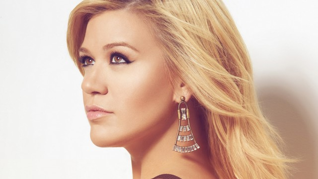 Kelly Clarkson Just Can't Seem to 'Breakaway' From Idol Past