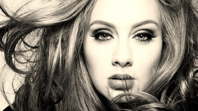 Adele's '25' Rests On A Sweet, Roaring Melancholly