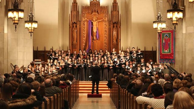 Chorale's Skilled Voices Traverse Difficult Setlist With Poise and Beauty