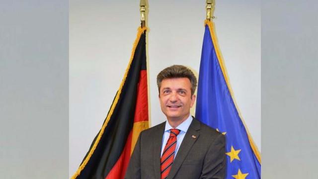 German Consul General to Talk Refugee Crisis