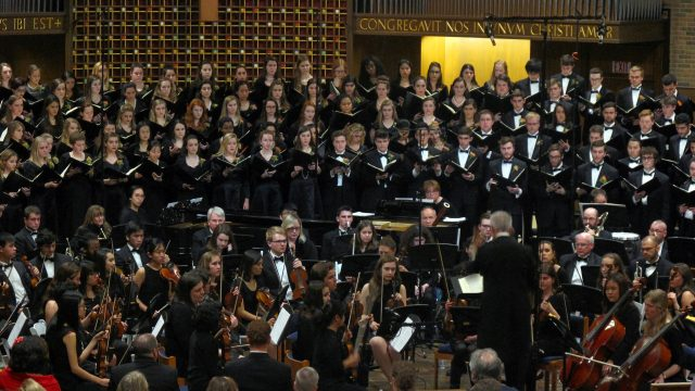 Stirring Vocals, Instrumentals Converge at Enchanting Fall Chorale Concert