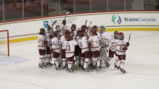Led by Lonergan, Women's Hockey Pulls Away From New Hampshire