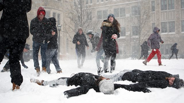 Winter Storm Niko Causes University to Close, Students Celebrate