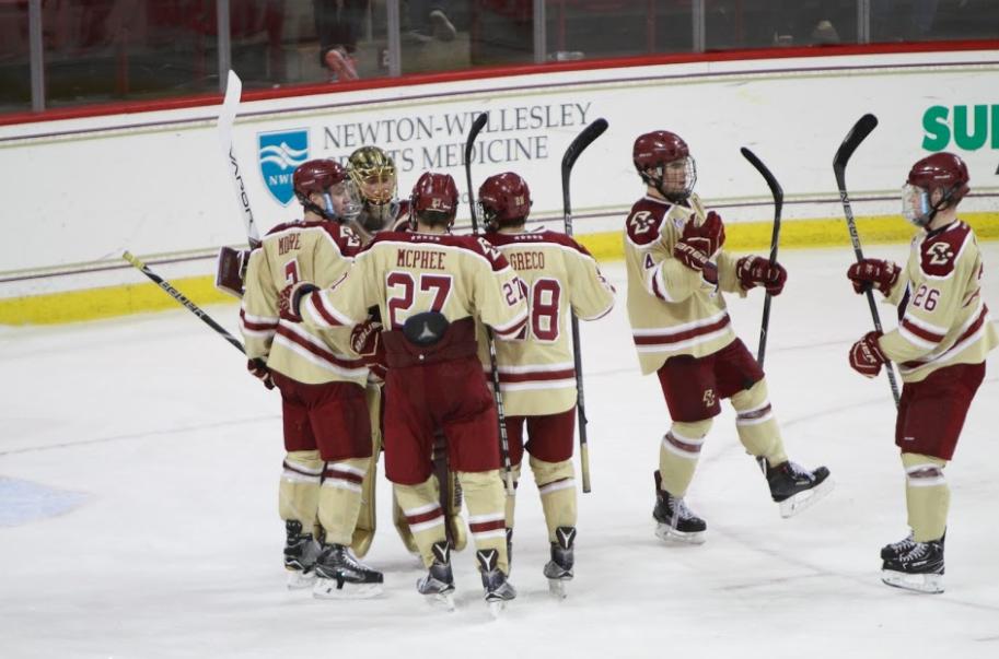 Kim Kickstarts Comeback as Men's Hockey Wins Sixth Straight