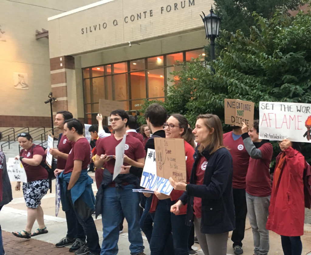 Graduate Union Interrupts Parents' Weekend Event, Pickets Pops on the Heights