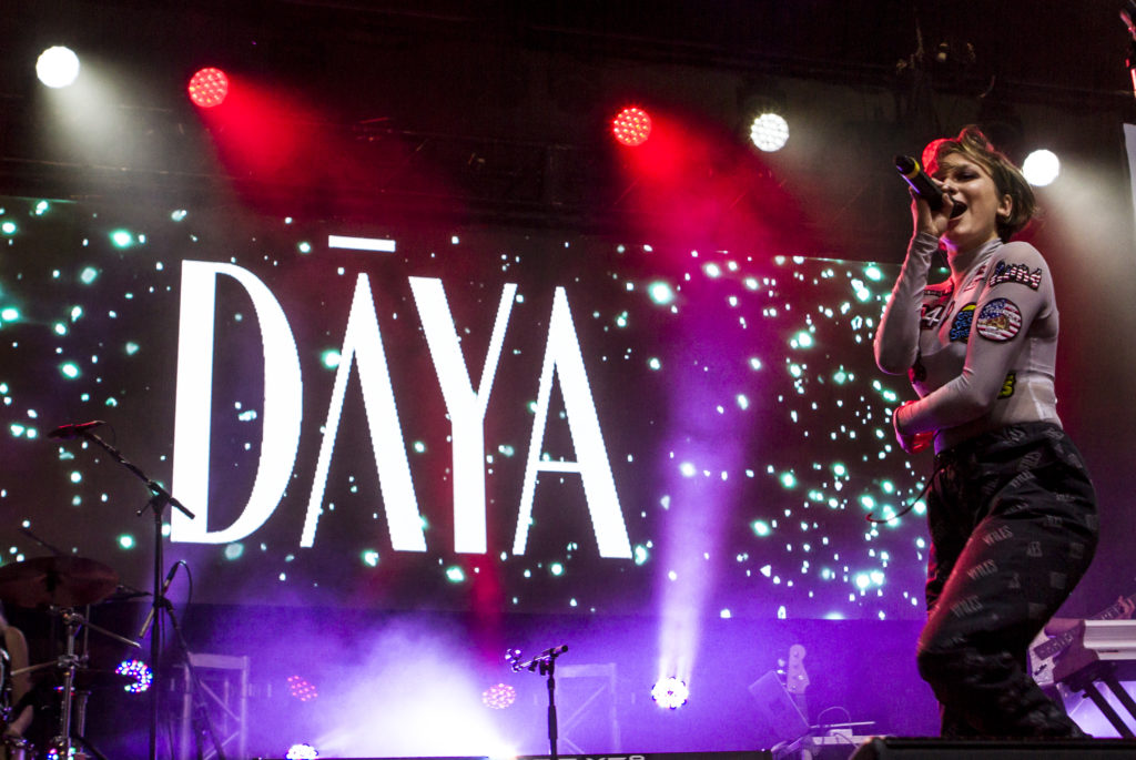 Daya Delivers Electric Set on Stokes Lawn