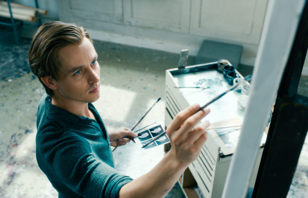 Pacing Causes Attention to Wane in 'Never Look Away'
