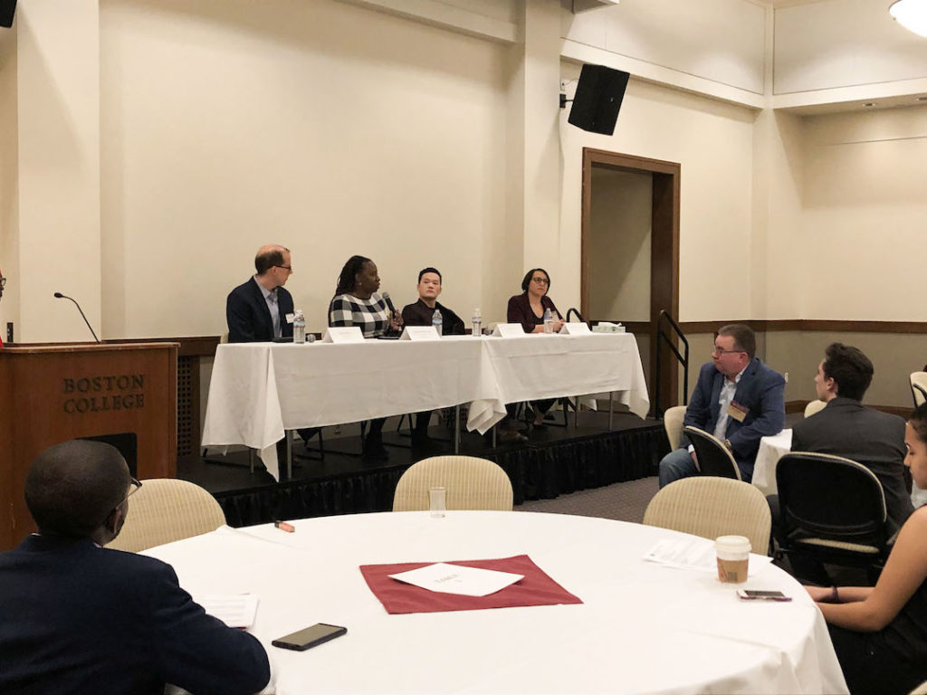 Alumni Reflect on Workplace Experiences at Diversity Networking Night