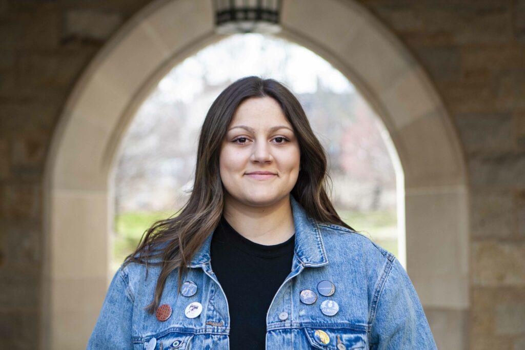 Zoe Behrakis: Cultivating Her Pop Persona