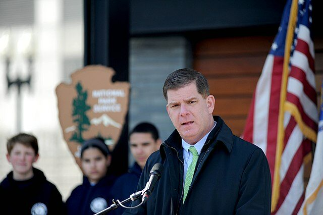 Marty Walsh Signs Petition Calling for LGBTQ Resource Center at BC