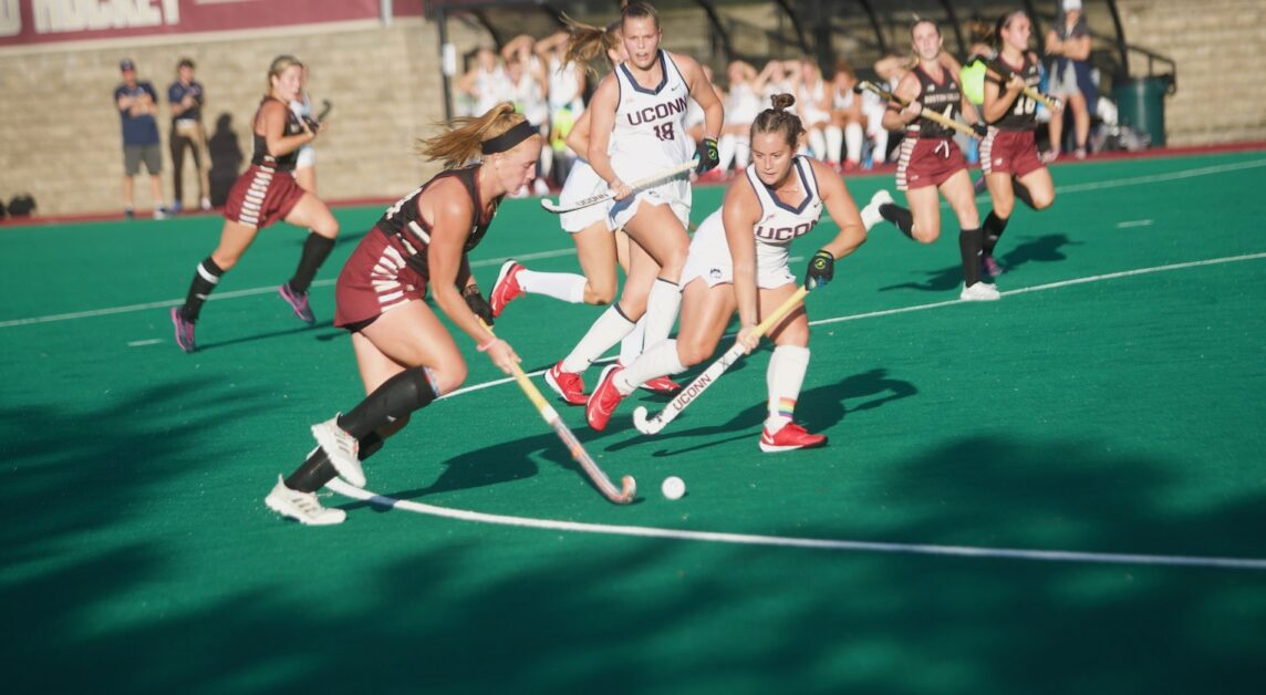 Eagles Fend Off Huskies To Stay Undefeated