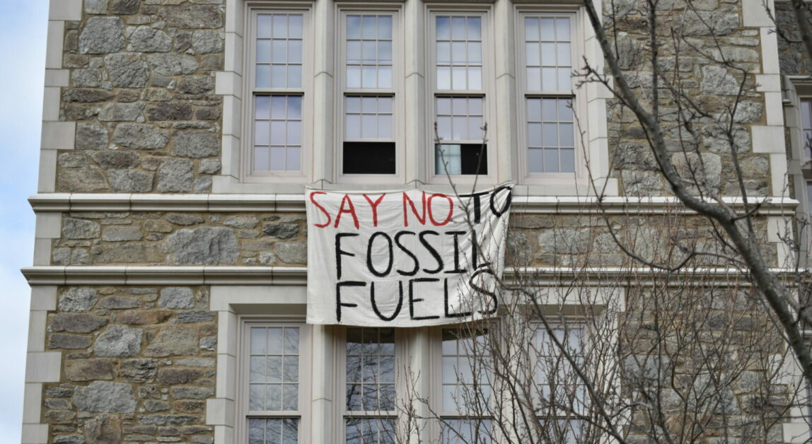 BC Environmental Groups Respond to Harvard Plans for Divestment from Fossil Fuels