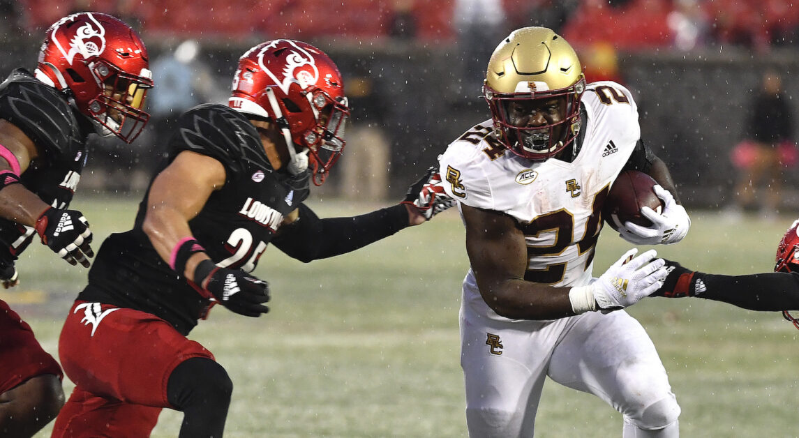 Notebook: Eagles Bulldozed By Louisville