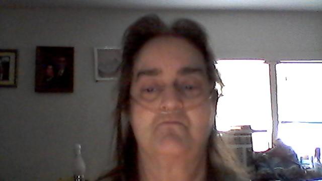 Vickie L McClain