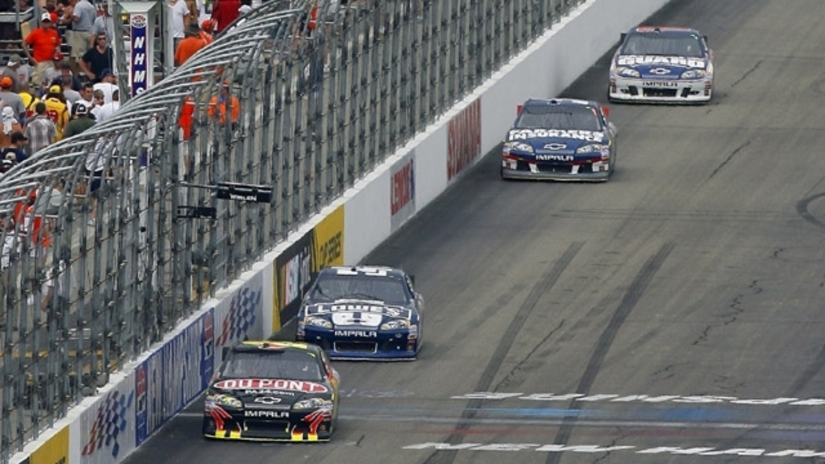Chevy clinches 10th manufacturer's championship
