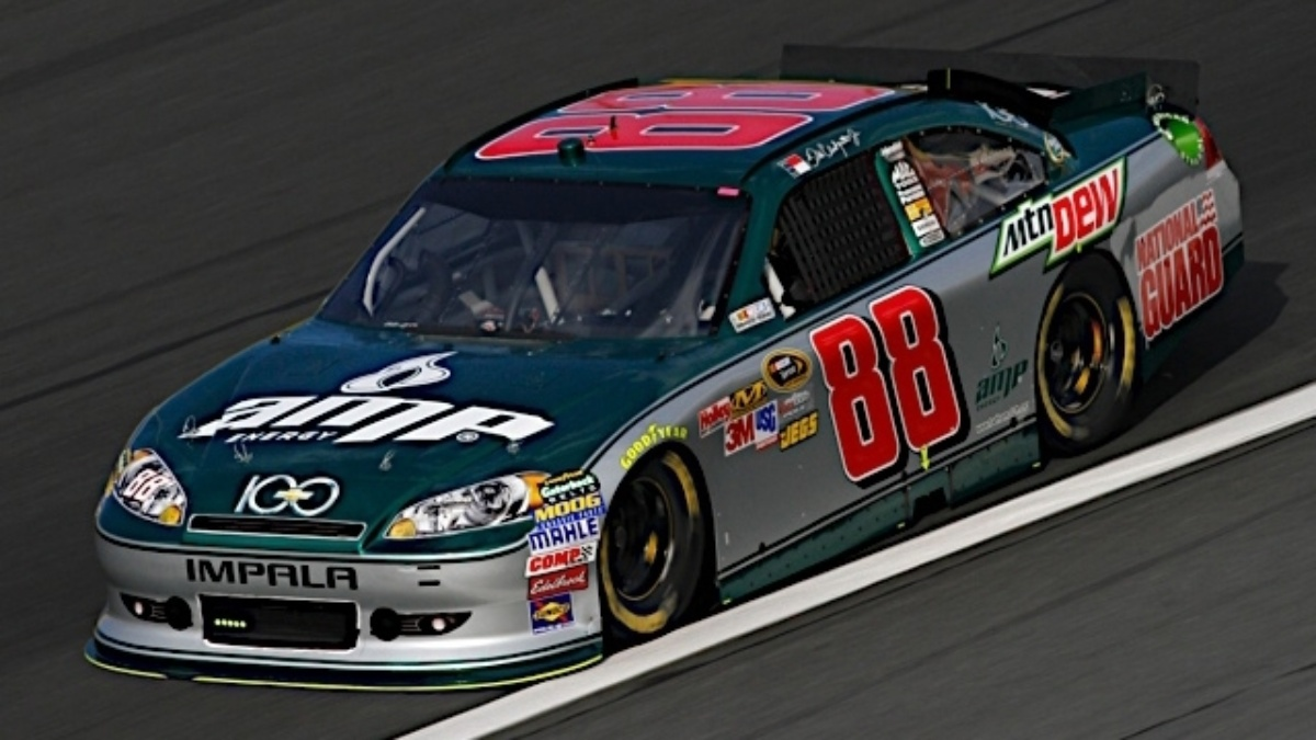 Earnhardt 19th in Saturday night Chase race