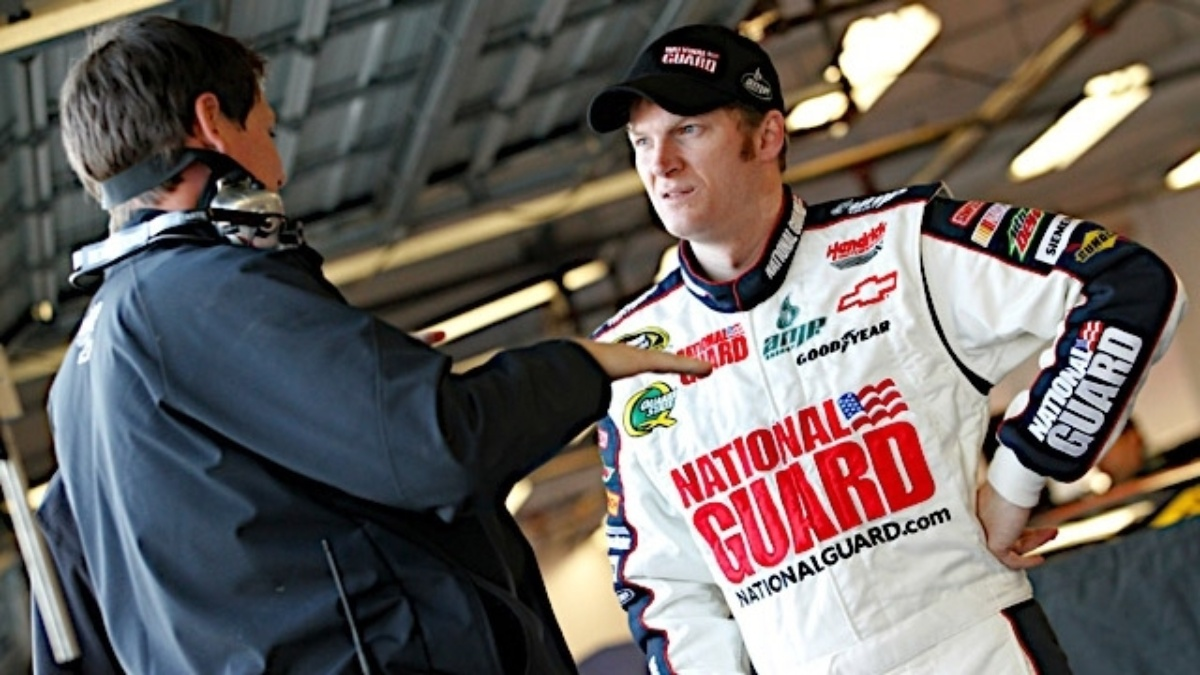 Earnhardt hopes to take Daytona momentum into Phoenix
