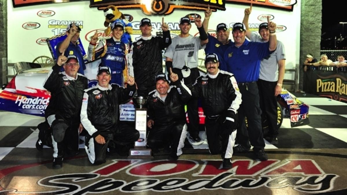 Elliott returns to Iowa Speedway as defending K&N race winner