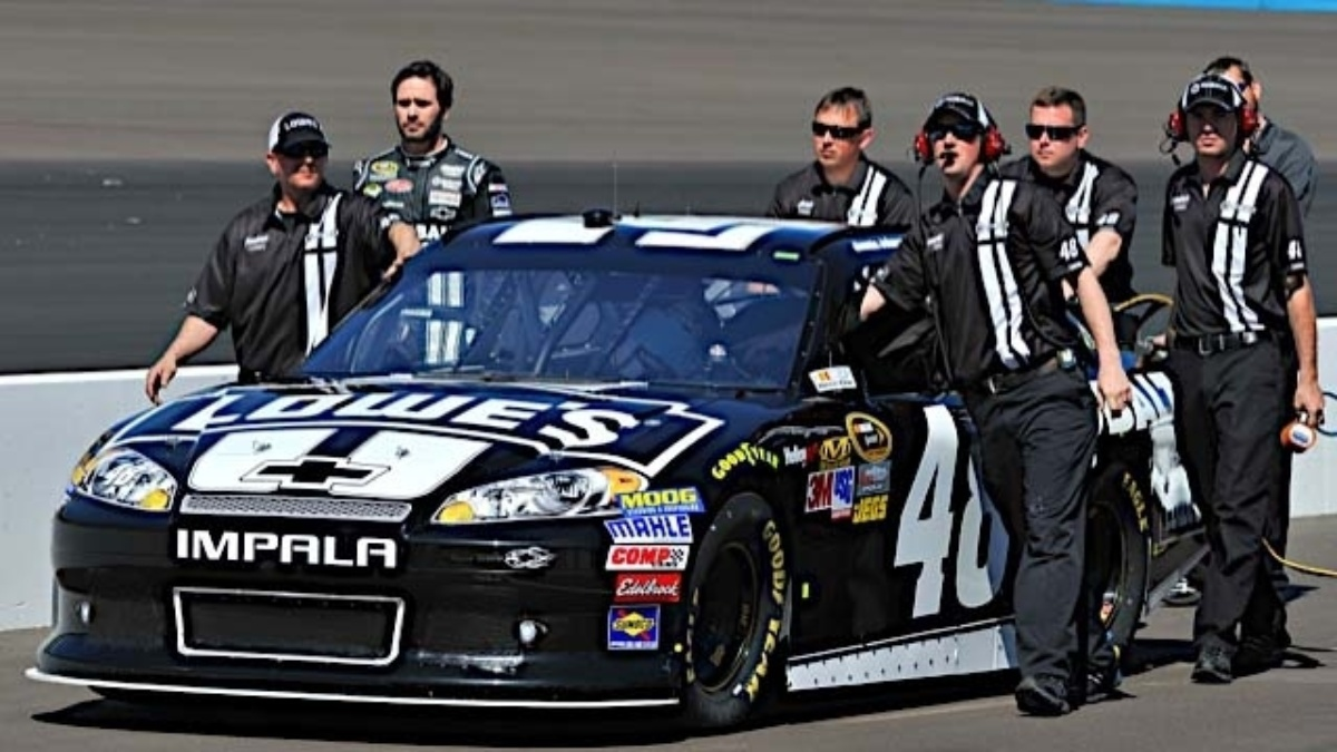 Hendrick Motorsports trio finishes Chase opener in top eight