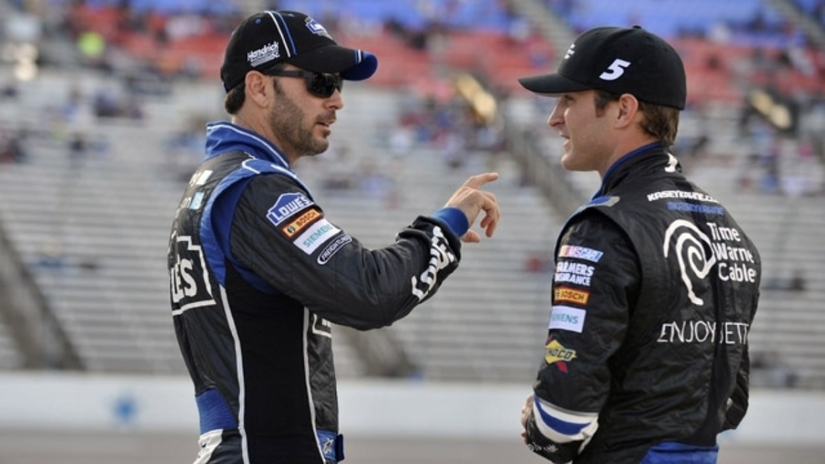 Jimmie Johnson, Kasey Kahne finish in top 11 at Texas