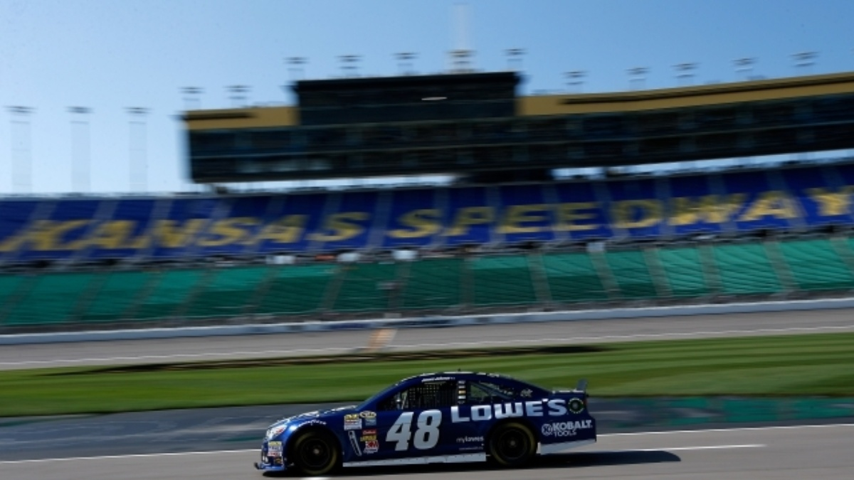 Jimmie Johnson tops speed charts in Kansas tire test