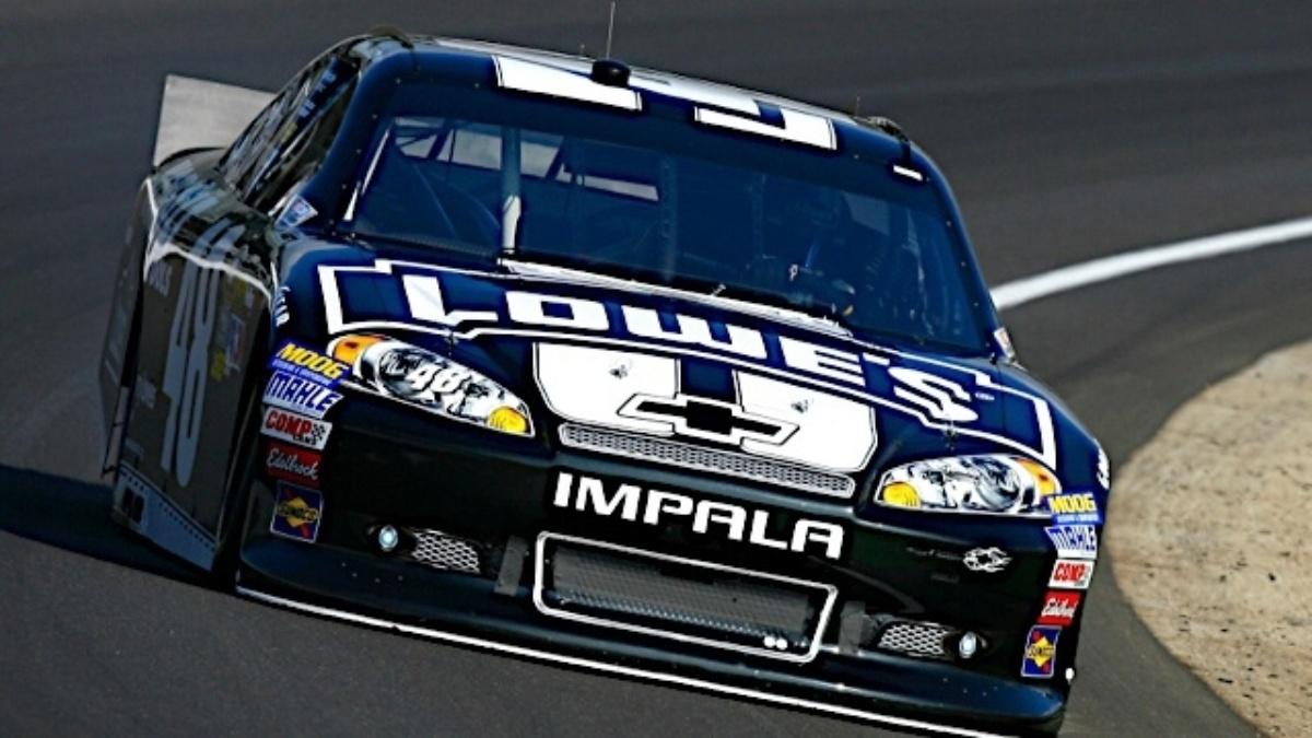 Johnson, Gordon qualify inside top 10 at Indianapolis