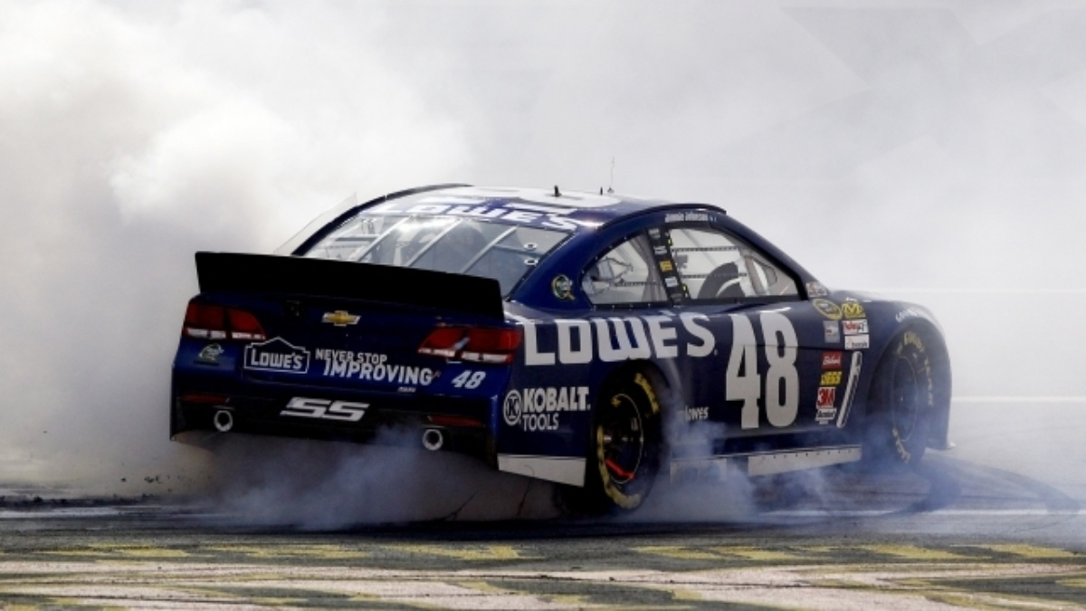 Johnson earns sixth Cup title, Earnhardt finishes third at Homestead