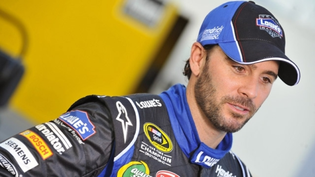 Johnson will start from the pole, Earnhardt third for Sunday's race at Dover