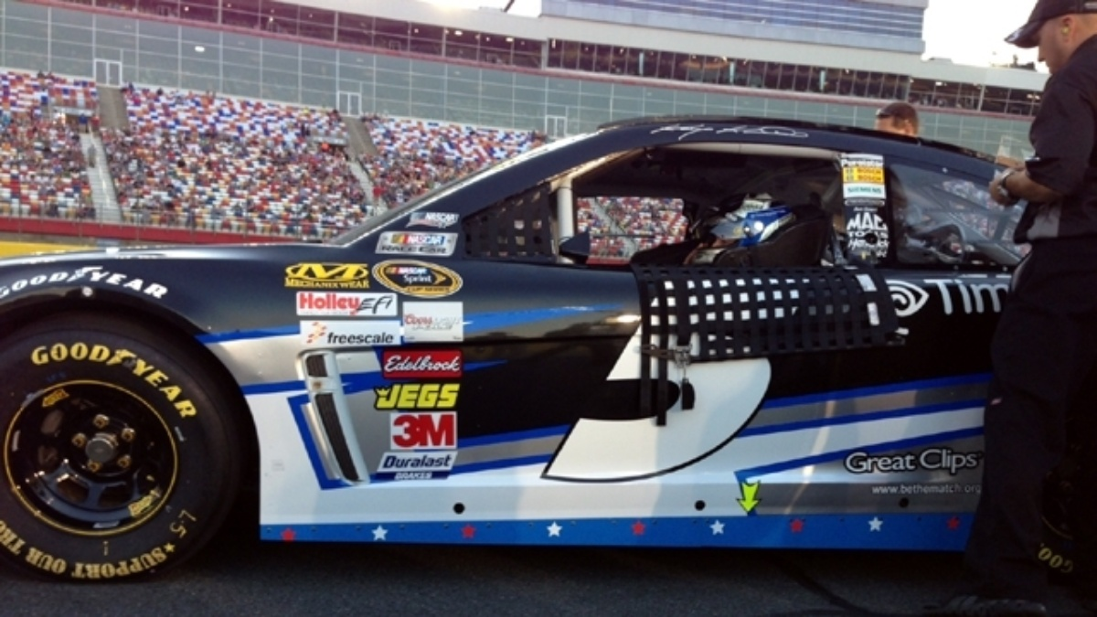 Kahne, Earnhardt, Johnson and Gordon qualify in top 14 at Charlotte