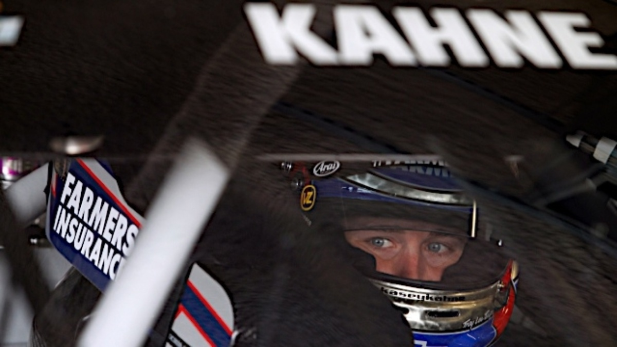 Kahne, Johnson and Earnhardt finish in top seven at Las Vegas