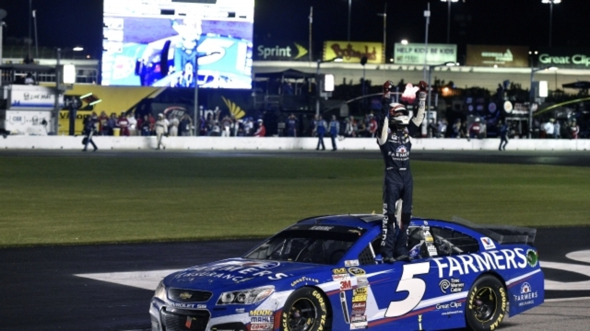 Win and in: Kahne clinches Chase spot