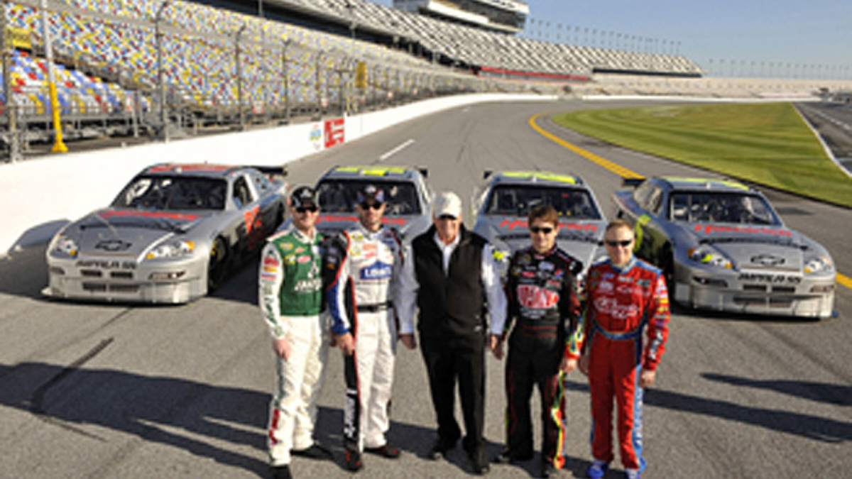 Become a fan of Hendrick Motorsports on Facebook