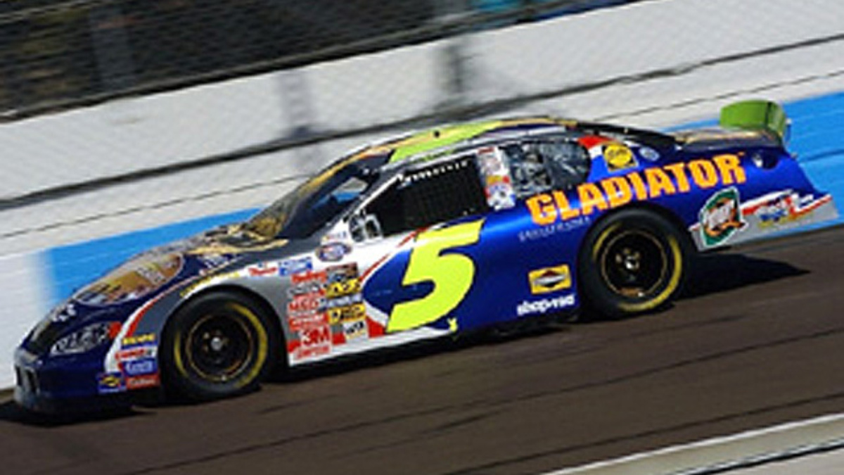 Busch Finishes Second in First Visit to Phoenix