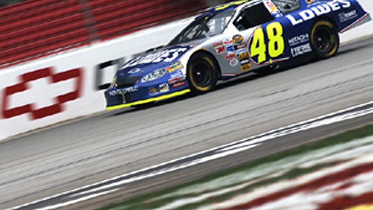 GM Captures 16 Racing Championships in 2005