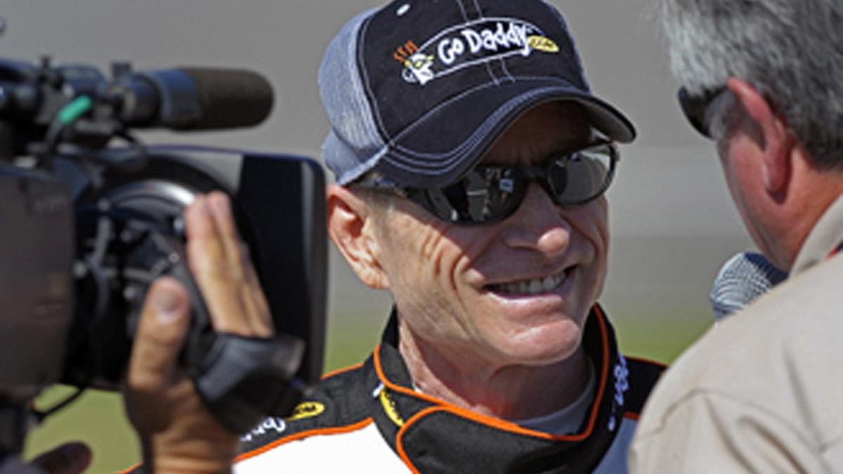GoDaddy.com named primary sponsor of No. 5 Chevy, Mark Martin to drive through 2011