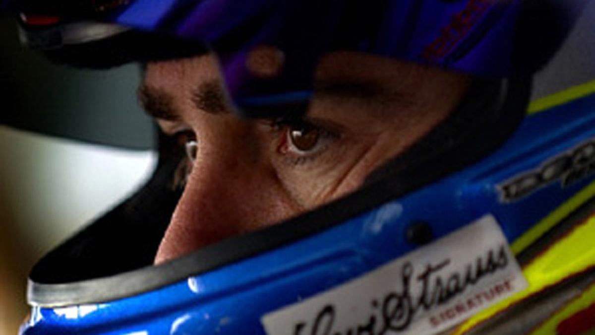 Johnson Qualifies Fifth at Kansas Speedway