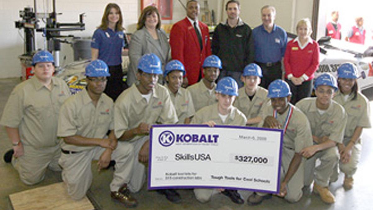 Johnson delivers Kobalt Tools to Georgia high school